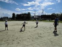 昼休みのサッカー遊び