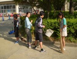「やさしく、かしこく、たくましく」を合い言葉に「ひとりだちできる子」の育成を目指す、吉川市立関小学校